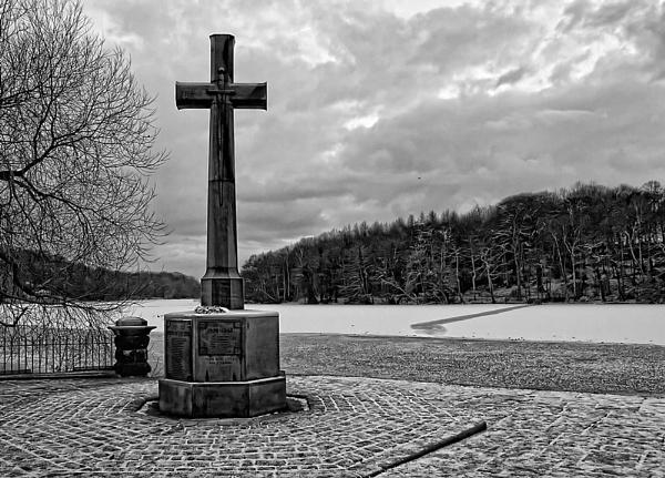War Memorial by Philo