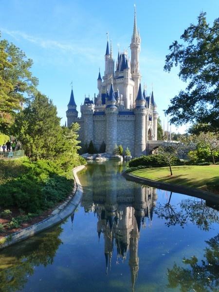 Cindarella\'s castle by Sam41