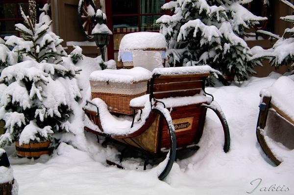 Christmas vessel by jaktis