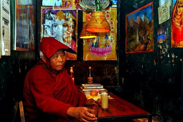 Dharamshala Woman by Kevstar
