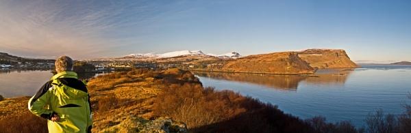 Looking towards Portree and the Trotternish Ridge by Sasanach