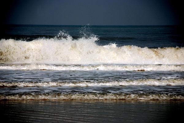 Waves by Nikola