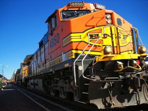 BNSF Train by Lucieneu