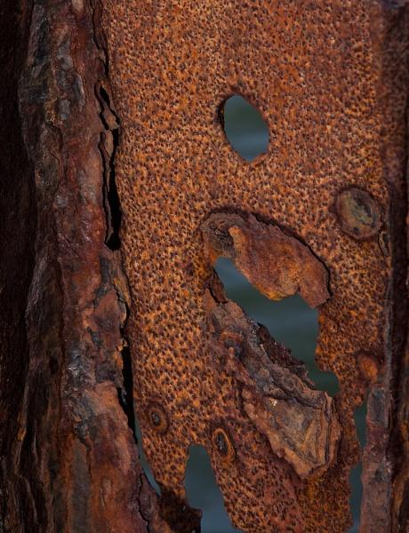 Rust \'n\' Holes by morpheus1955