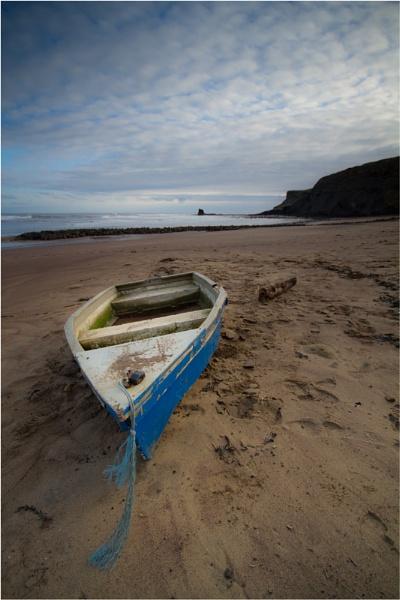 Beached boat by ripleysalien