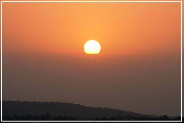 Sunrise by pingreek