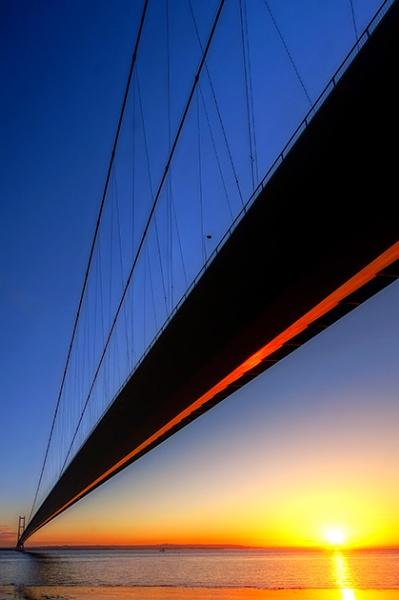 Humber bridge by chazcherry