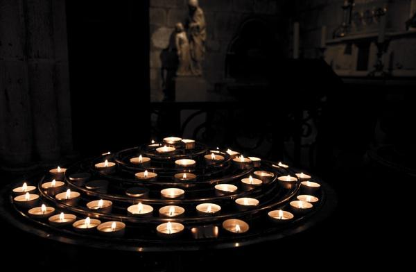 Prayers in Notre Dame by guyfromnorfolk