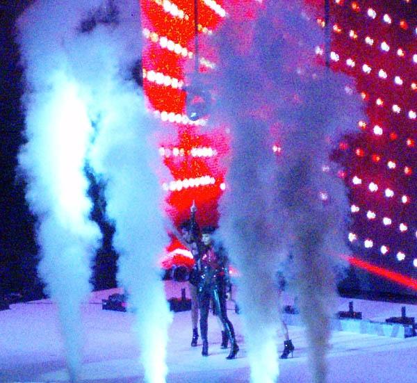 O2 Concert 4 by digitalgirl