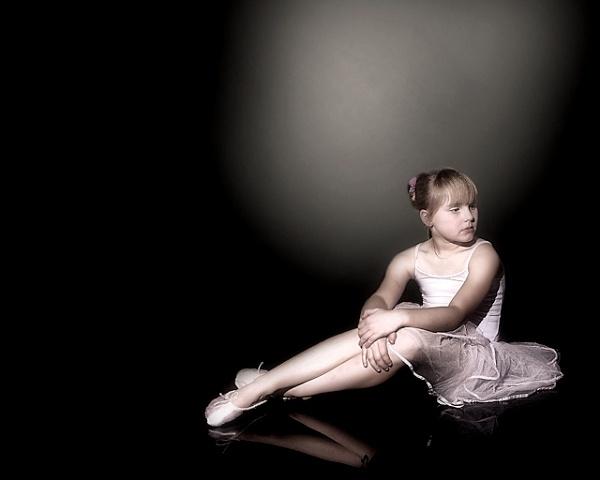 Ballerina 2 by BilT