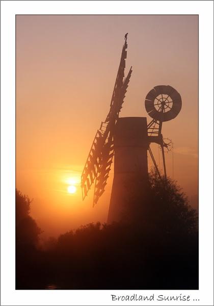 Broadland Sunrise by Gaz_H
