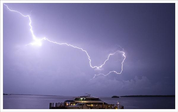 Lightning Strike by rontear