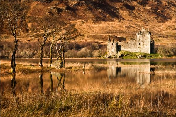 Kilchurn Castle by Bellai