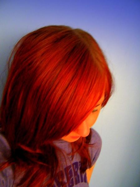 Turn Around Bright Hair by Lizzie_x