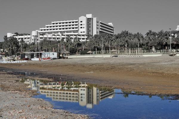 Seaside Reflection by Markus_Brehm