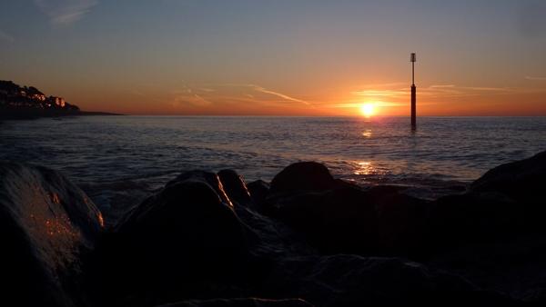 Sandgate Sunrise by seaviewlou