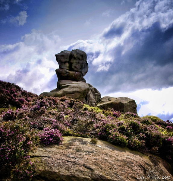 Ramshaw Rocks by lesarnott