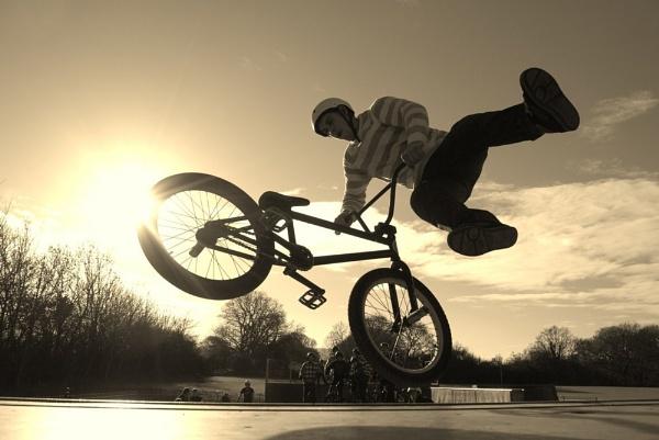 Tailwhip, Polegate Skatepark by mrfmilo