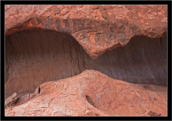 Patterns of Uluru by old timer
