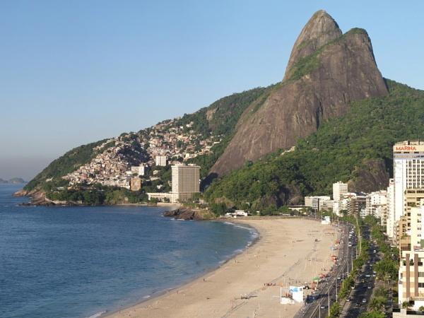 Impanema Beach, Rio de Janeiro by ericjlaw