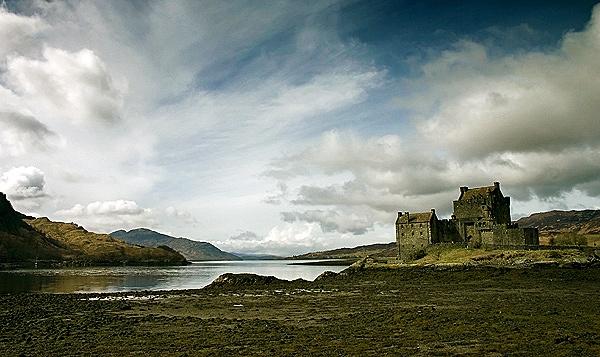 eilean donan castle by geosami