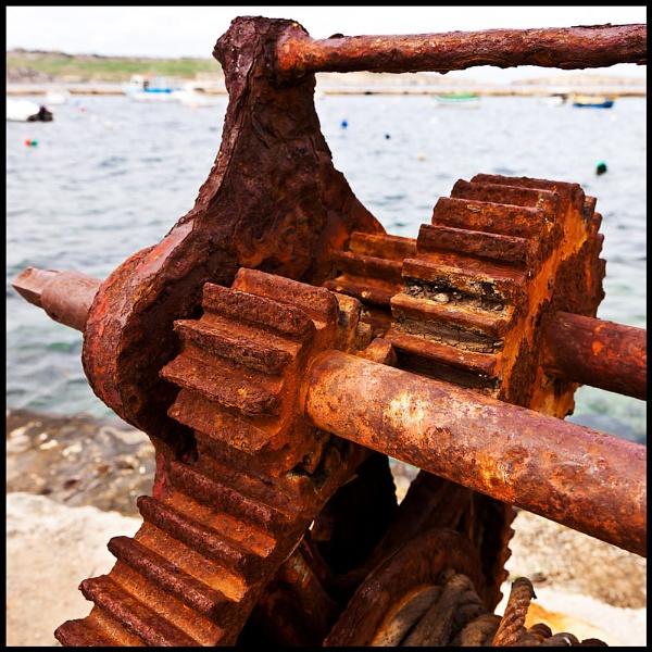 Rusty Harbour Winch by BernieS