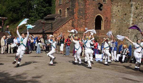 Morris Dancers by makamgirl