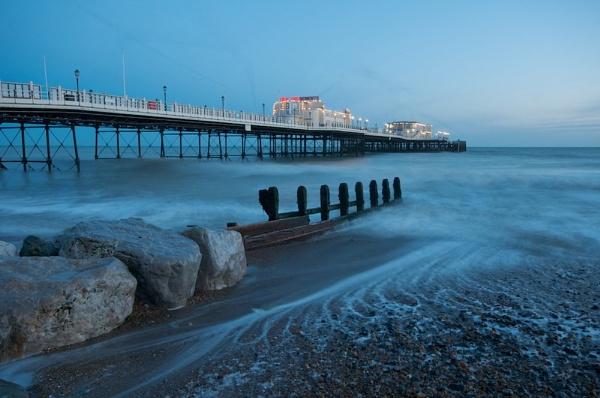Worthing Pier by jamesh