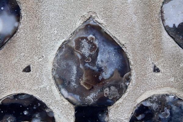 Flint pattern on wall by pdcche
