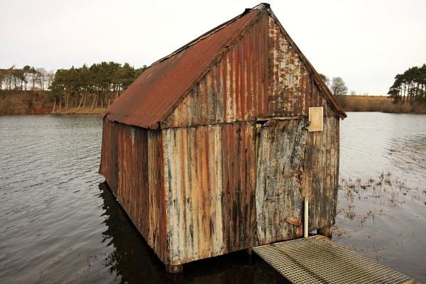 Lindean boat shed by jingler