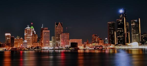 Detroit Skyline by mswiech