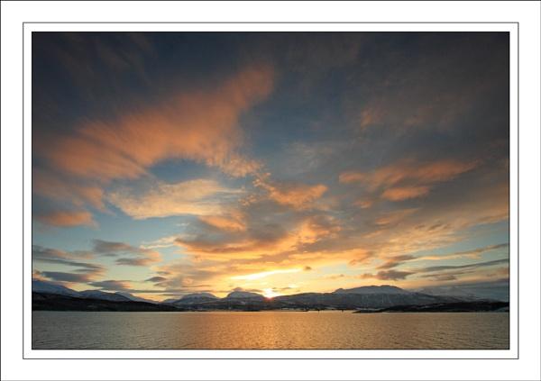 The sky.... by ejtumman