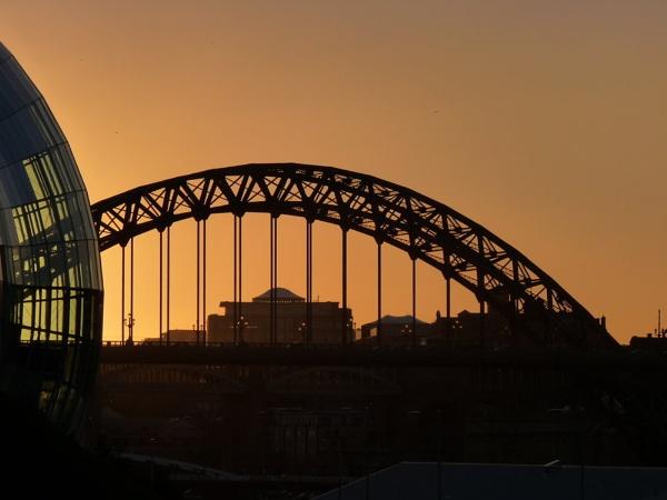 Newcastle\'s tyne bridge by ad2009