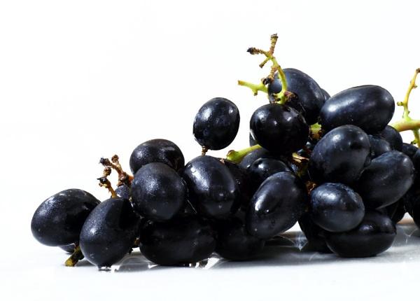 Fresh Grapes by maheshguild