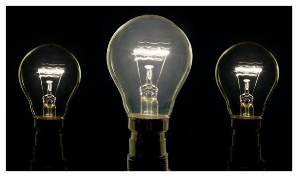 3 light bulbs by Tebbs
