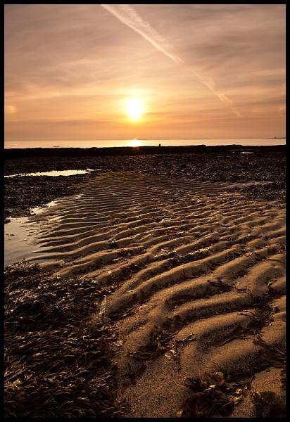 Sunrise on Bamburgh beach by BernieS