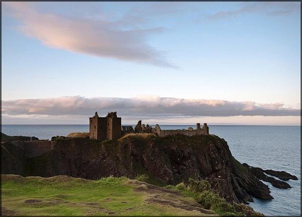 Dunnottar castle Aberdeenshire by EddyG