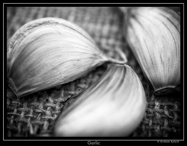 Garlic by Graham_Aylard