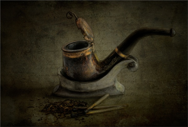 Tobacco Pipe by chase