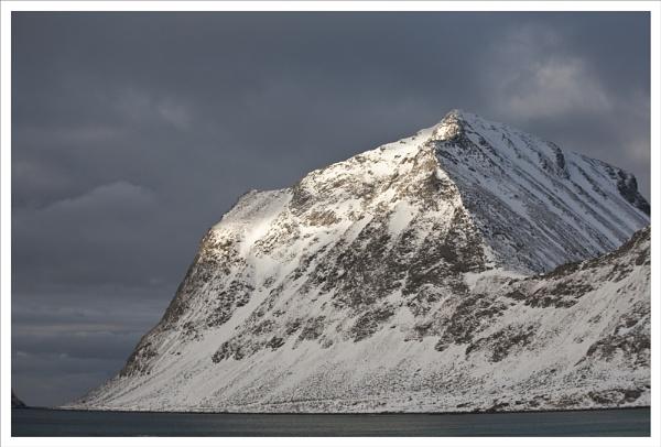 Wild Coast Lofoten by rontear