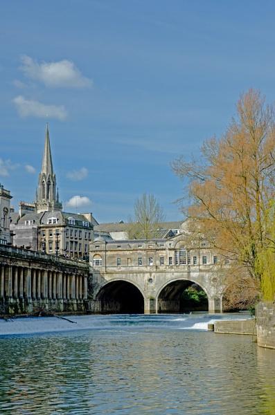 Bath Pulteney Bridge  and weir by JohnJenkins99