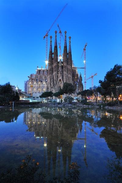 Sagrada Familia, Barcelona, March 2011 by caulfid2