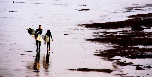 Surfers by jonathanbp