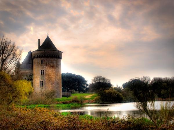 Château De Suscinio - hdr by pauldawn