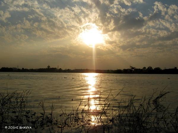 Beautiful Sunsets.. 2 by bhavya
