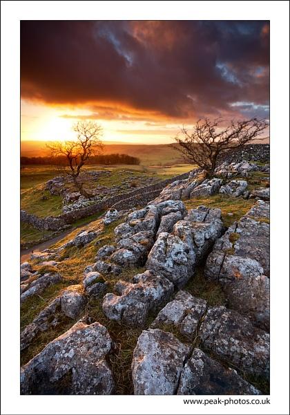 Settle Sunset by richardwheel