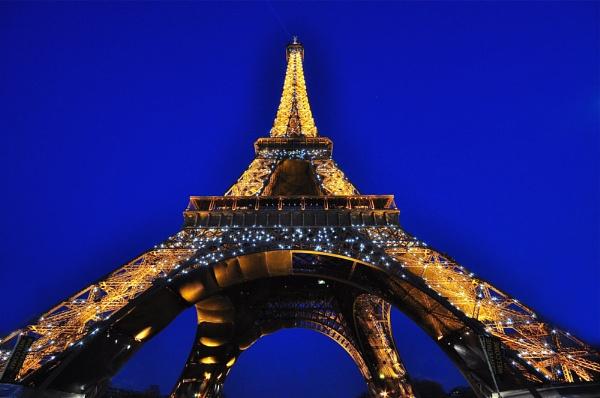 Sparkling Eiffel by caulfid2