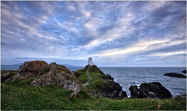 Llandwynn Island... by Scottishlandscapes
