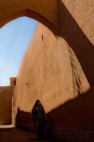 An old alley in Yazd by aminnadi