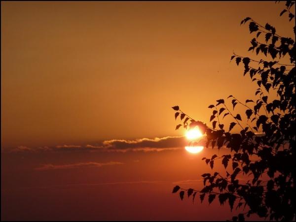 AUTUMN SUNSET by Mozzie